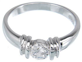 925 Sterling Silver Platinum Finish Brilliant Fashion Ring